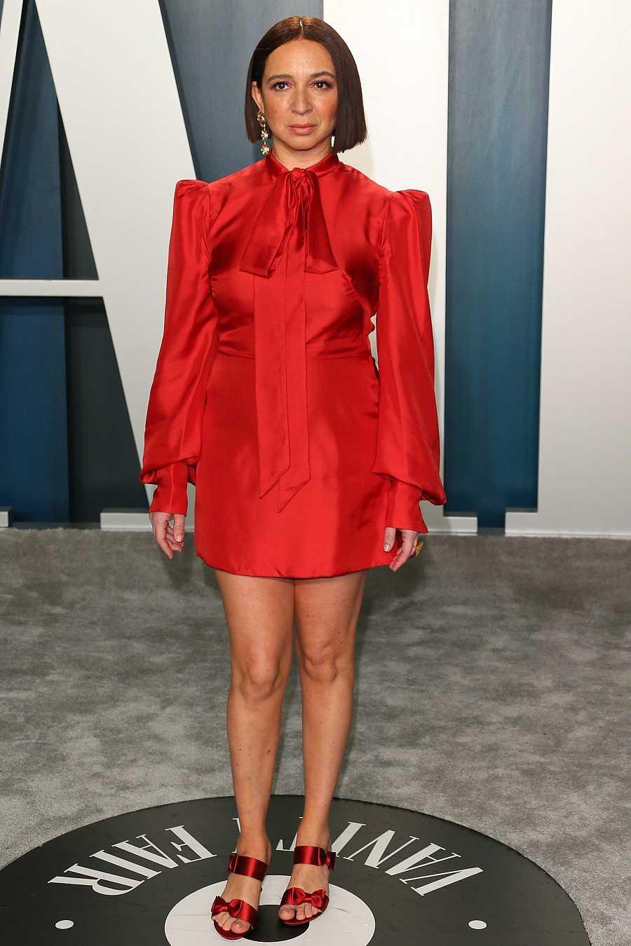Maya Rudolph ha cambiado a un vestido rojo para la fiesta Vanity Fair de los Oscar 2020