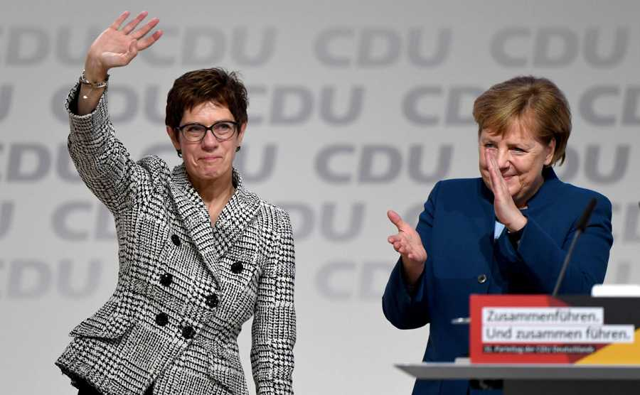 Dimite Annegret Kramp-Karrenbauer, sucesora de Ángela Merkel
