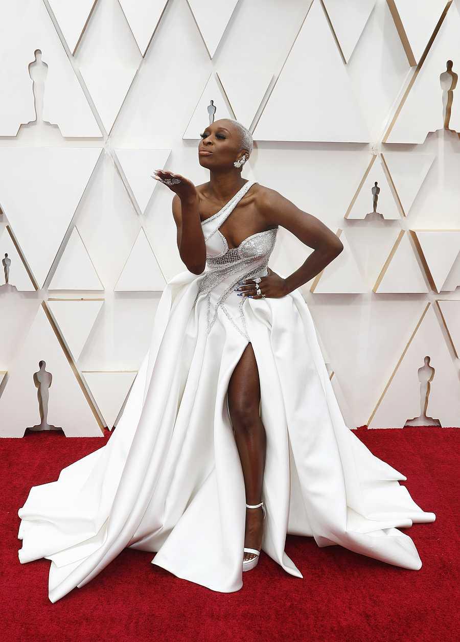 Cynthia Erivo en la alfombra roja de los Oscars 2020