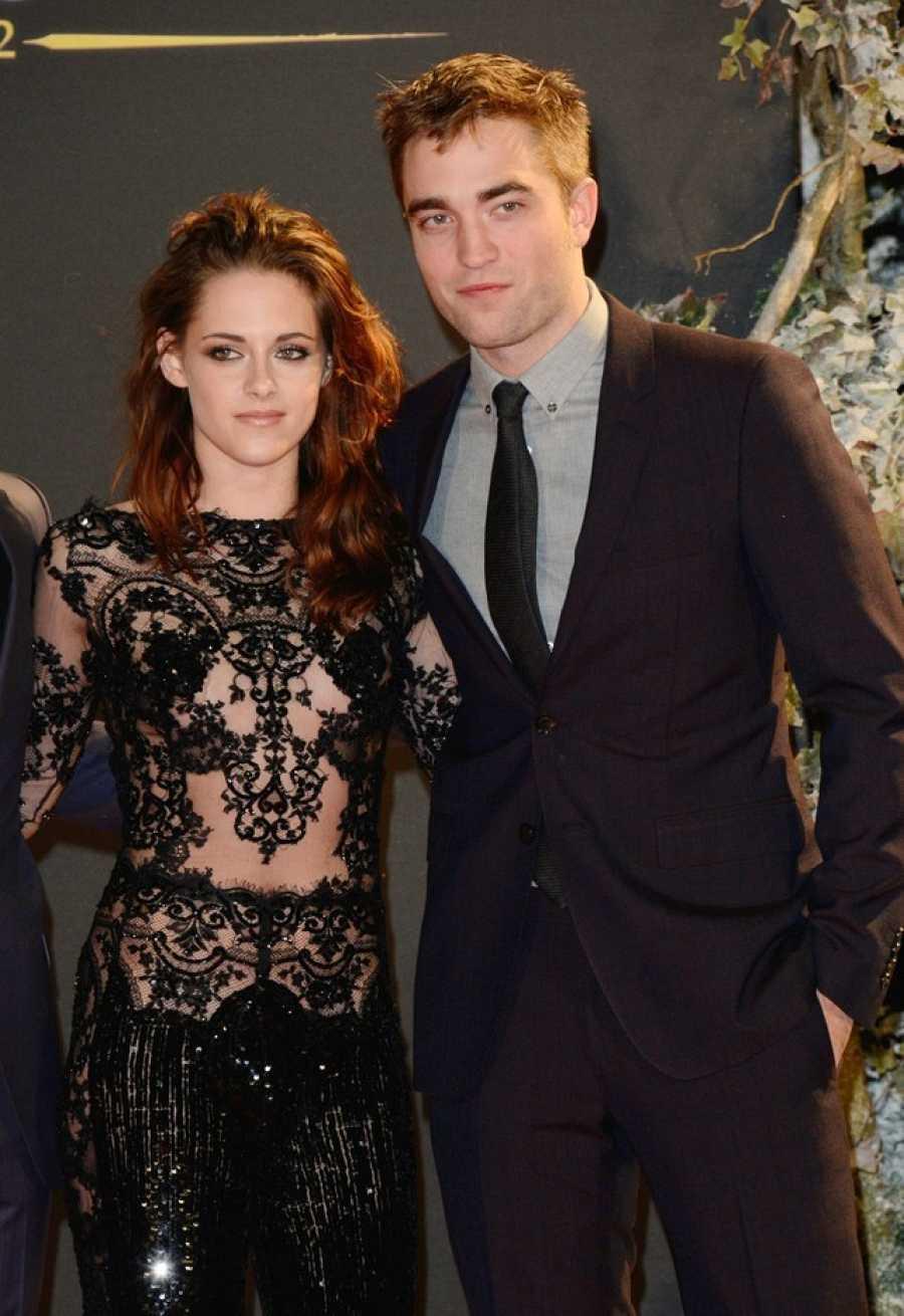 Kristen Stewart y su compañero de reparto Robert Pattinson