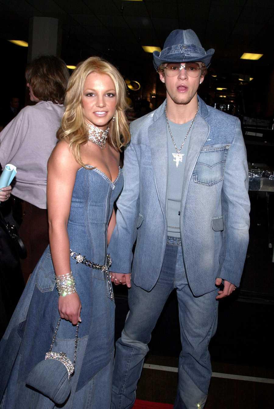 Britney Spears junto a Justin Timberlake en los Music Awards en 2001