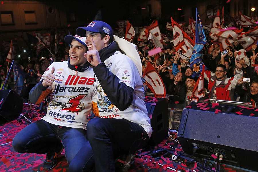 Celebración de los hermanos Márquez tras proclamarse campeones del mundo.