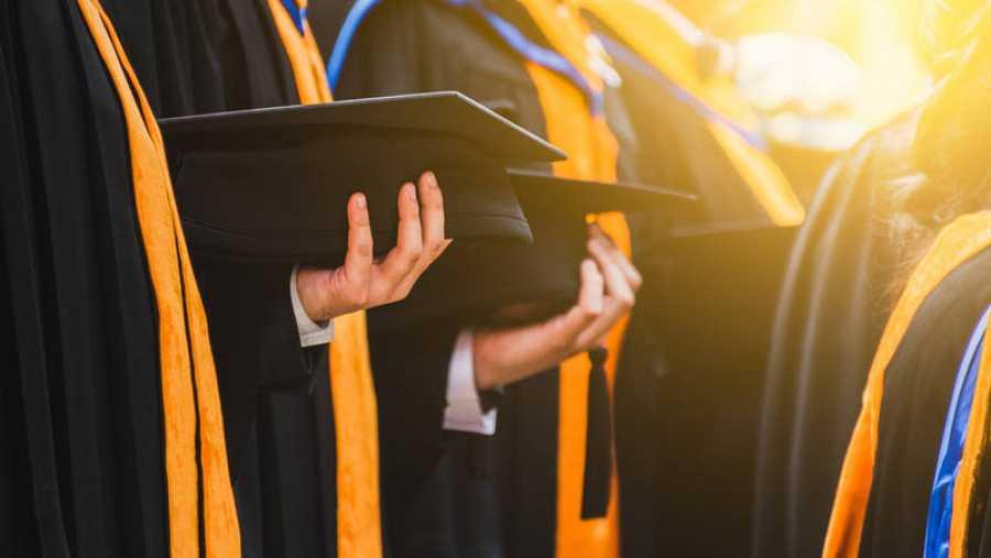 El pasado curso se matricularon casi 1,3 millones de alumnos en grados universitarios.