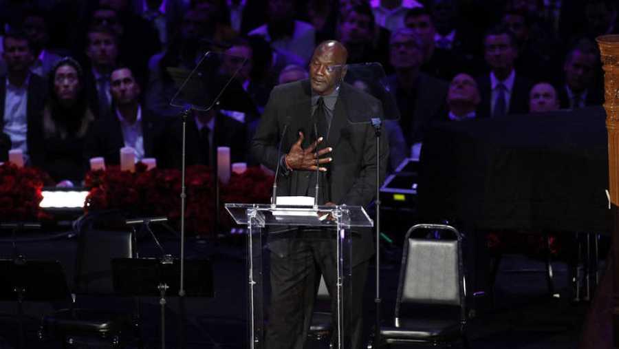 Michael Jordan, durante su discurso en honor a Kobe Bryant