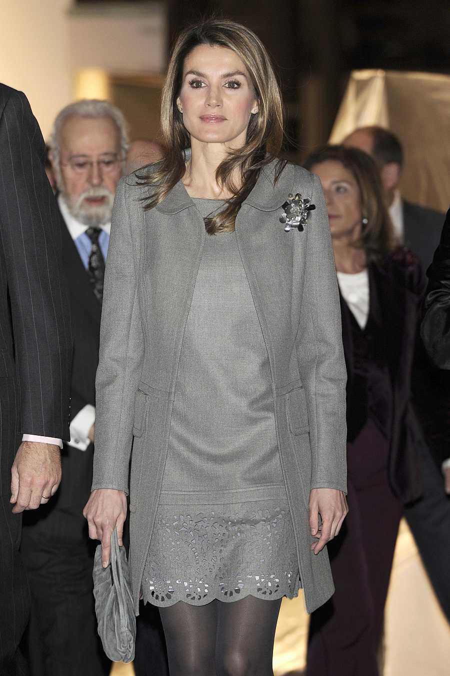 La reina Letizia llevó un vestido de Felipe Varela en ARCO 2013