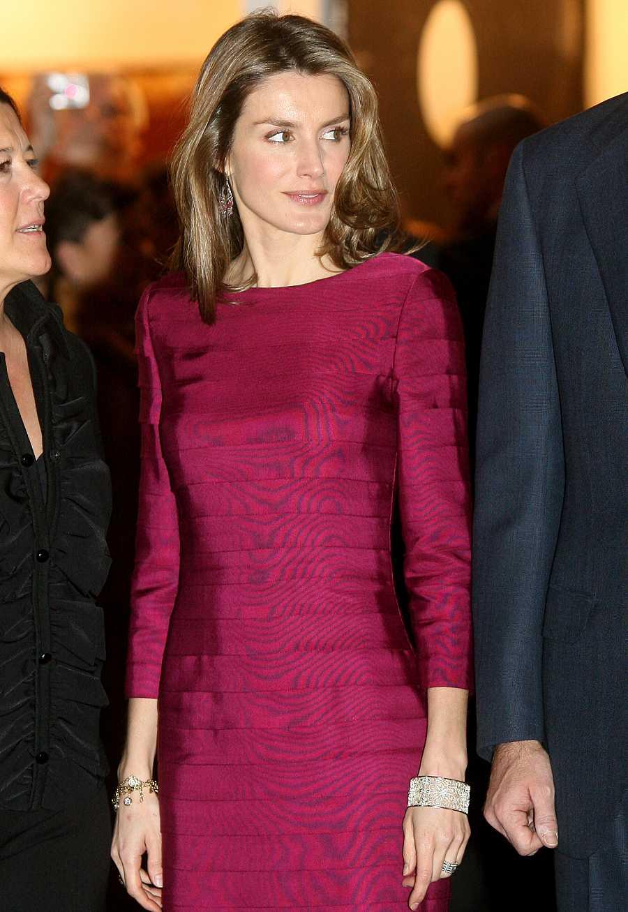 Letizia eligió un vestido de Felipe Varela para la inauguración de ARCO 2009