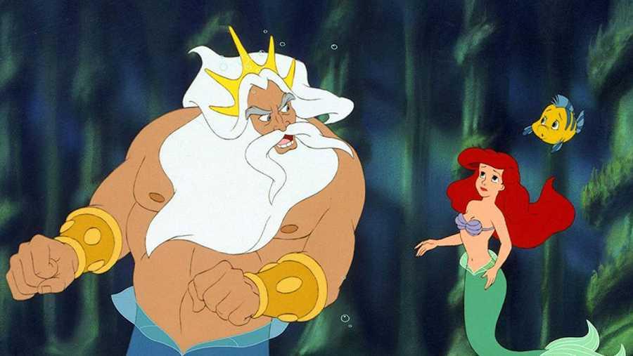 Ariel y el rey Tritón durante una discusión