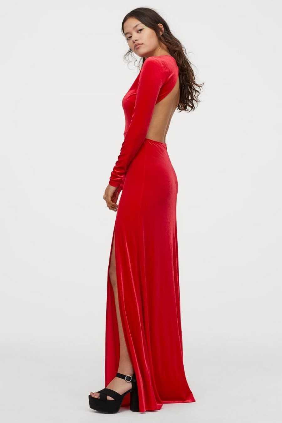 Vestido rojo de terciopelo largo con escote en la espalda