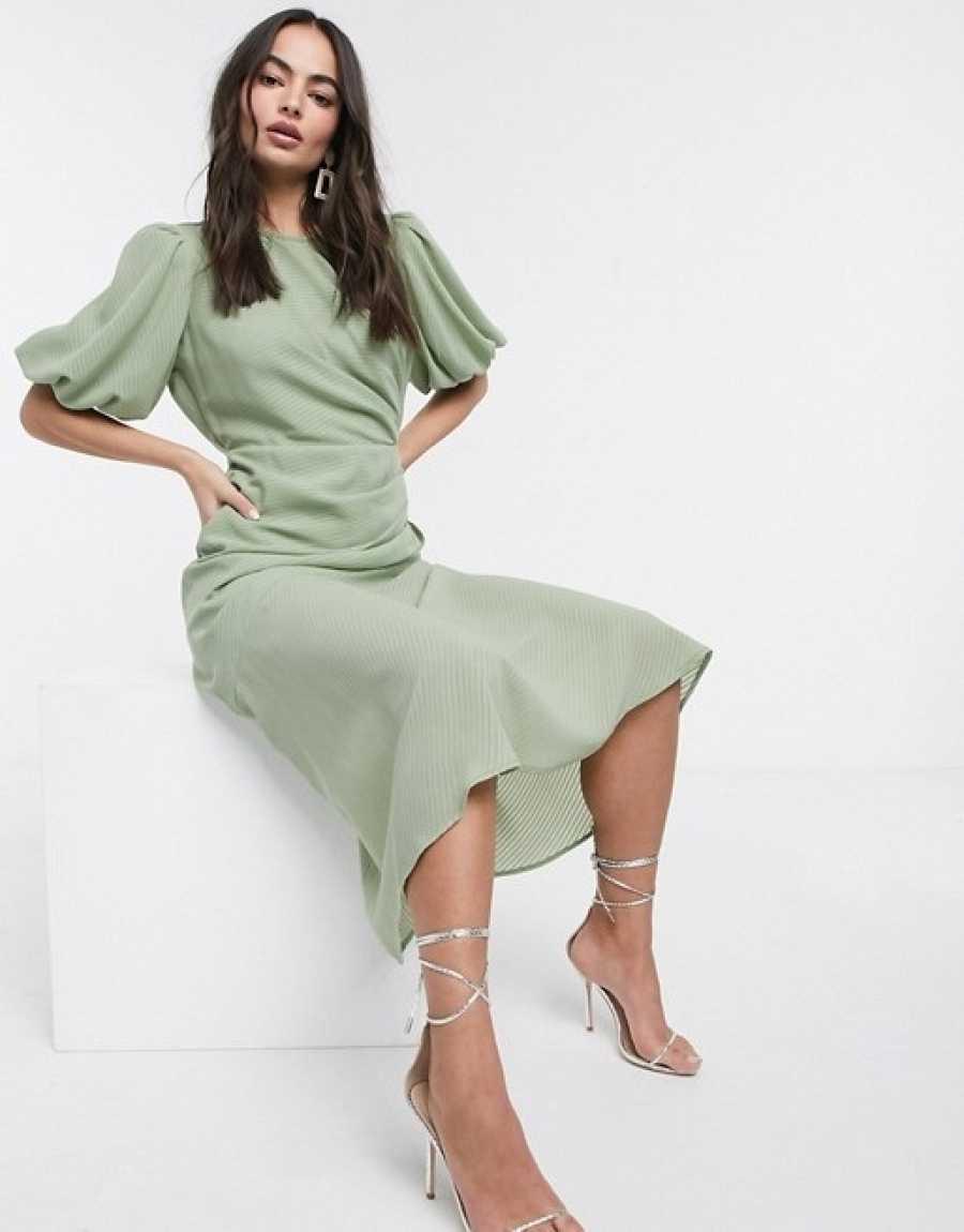 Vestido vaporoso verde agua