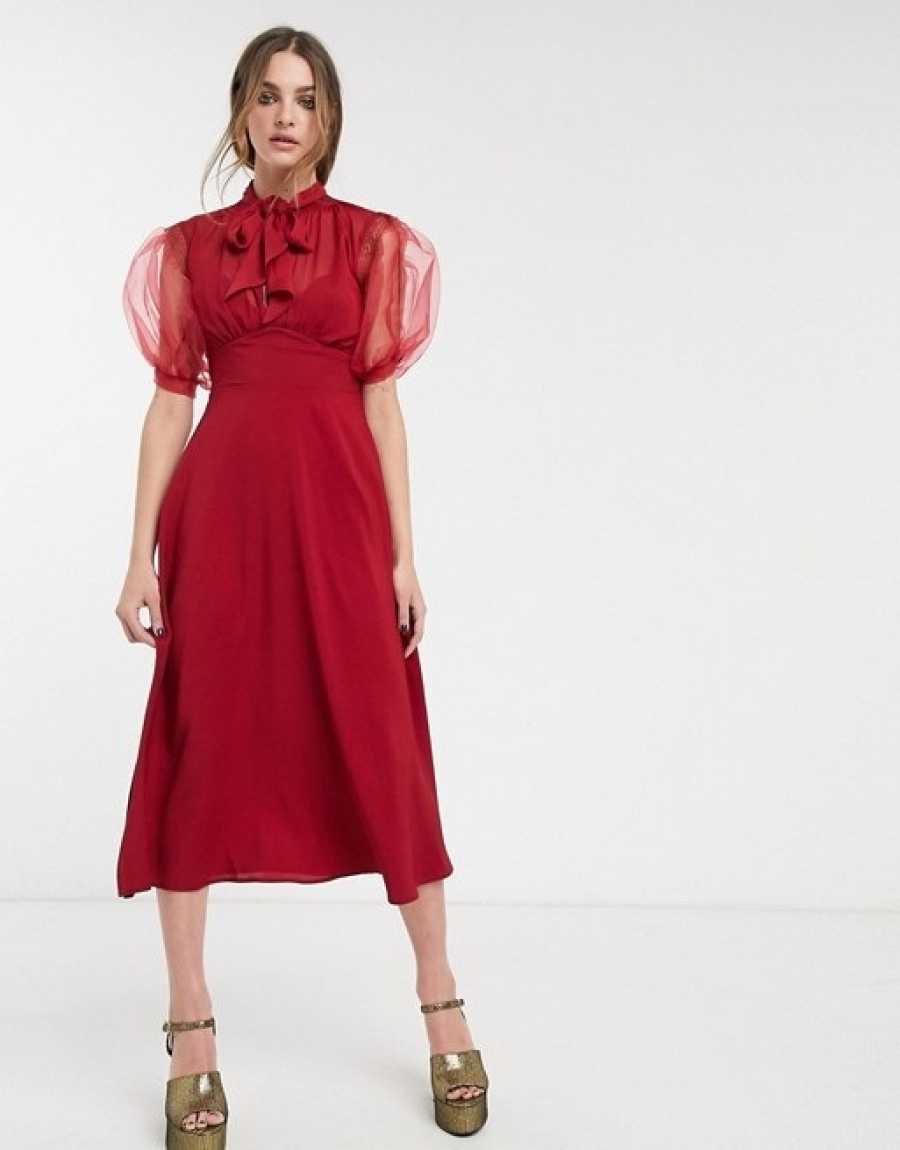 Vestido rojo midi con mangas abullonadas y trasnparentes