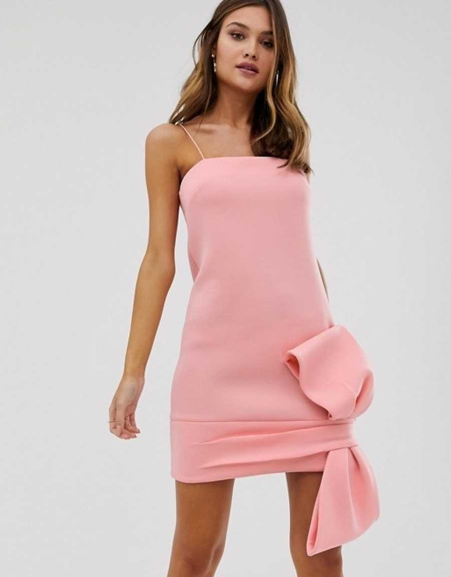 Vestido rosa mini con maxi lazo
