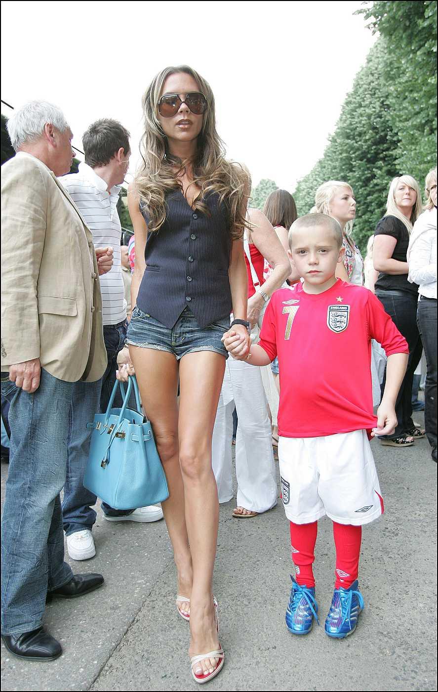 Victoria Beckham con su hijo Brooklyn en el Mundial de Fútbol de Alemania de 2008