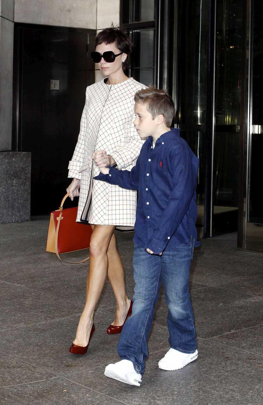 Victoria Beckham y su hijo Brooklyn en 2008