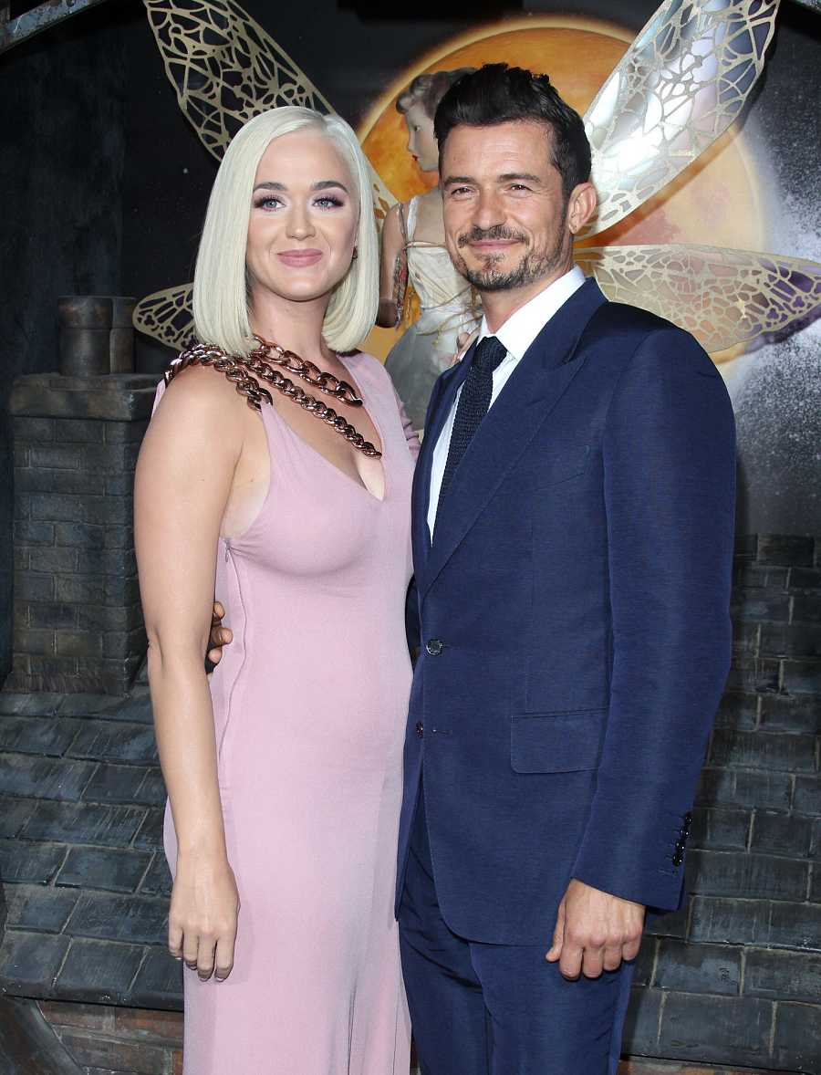Katy Perry y Orlando Bloom en la premiere de Carnival Row