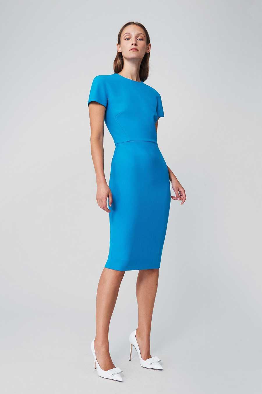 Vestido 'camiseta' azul turquesa diseñado por Victoria Beckham