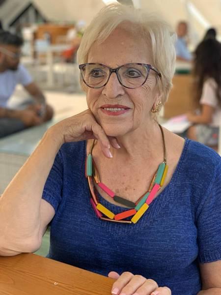Carmen Lahoz. Maestra
