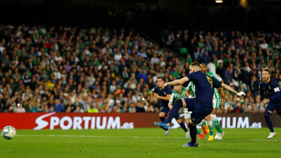 Benzema marca de penalti