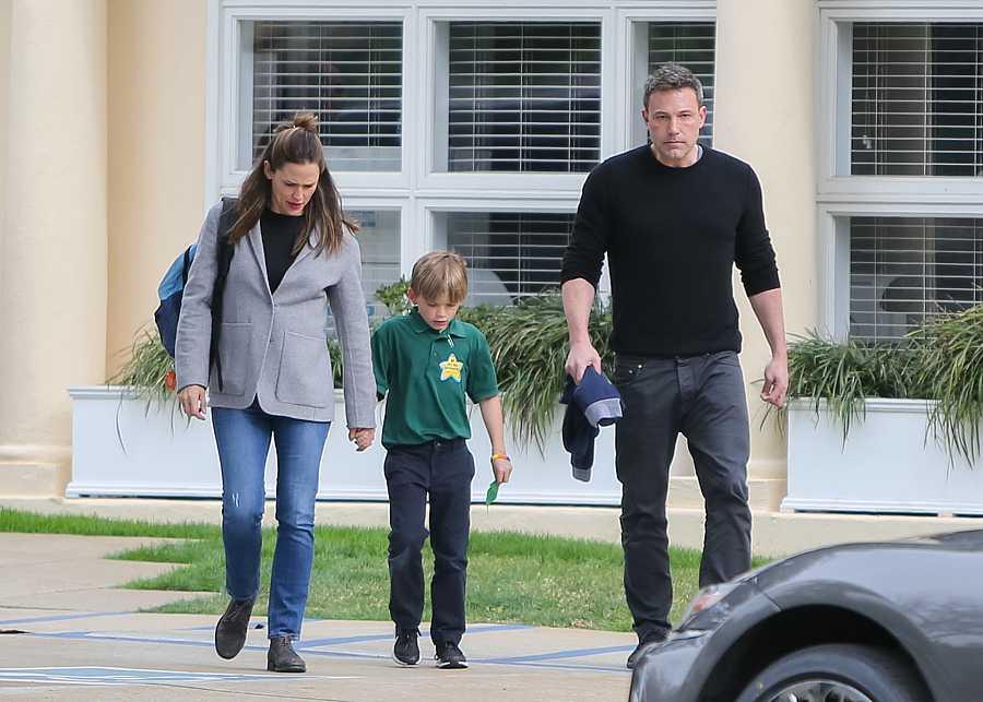 Jennifer Garner y Ben Affleck con su hijo en Los Ángeles
