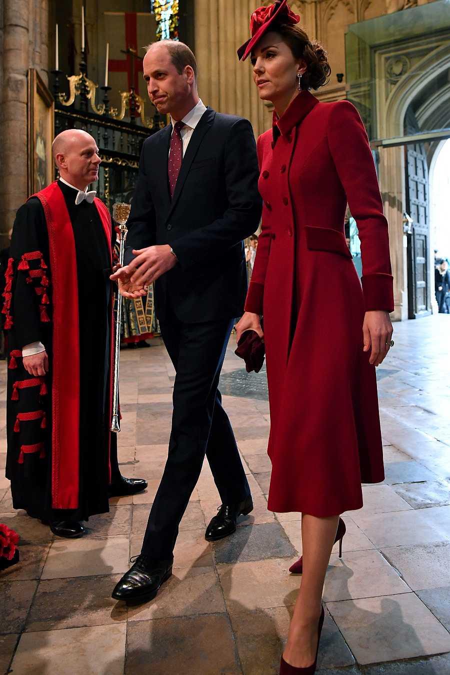 El príncipe Guillermo con Kate Middlenton a su llegada a Westminster
