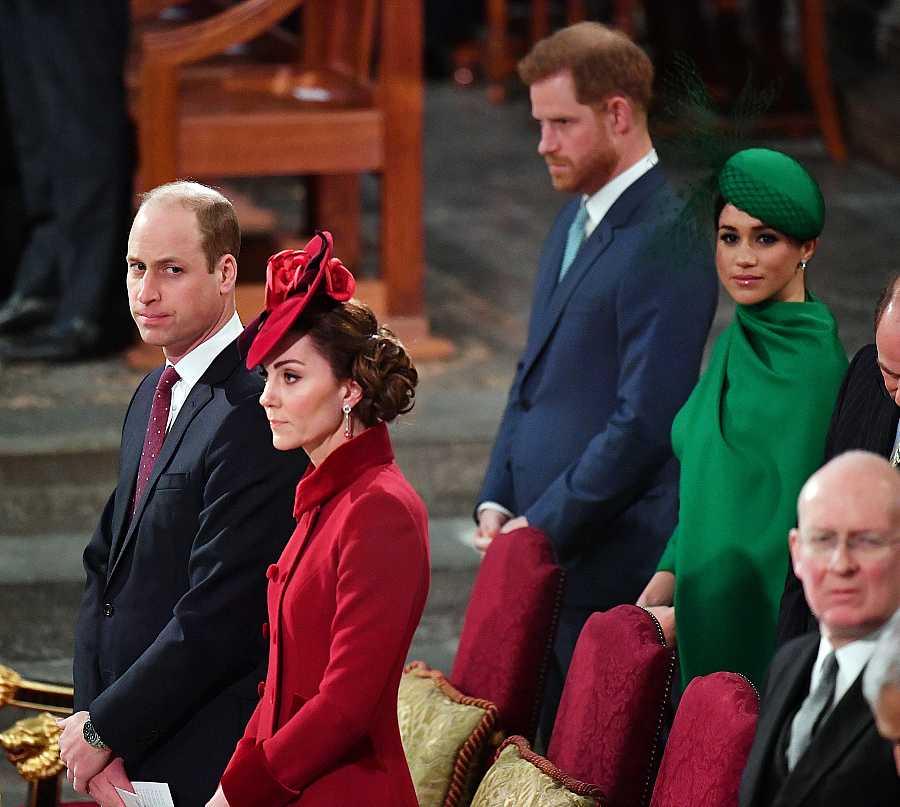 El prínicipe Guillermo y Kate Middleton y el príncipe Harry y Meghan Markle en la abadía de Westminster en la misa del Día de la Commonwealth