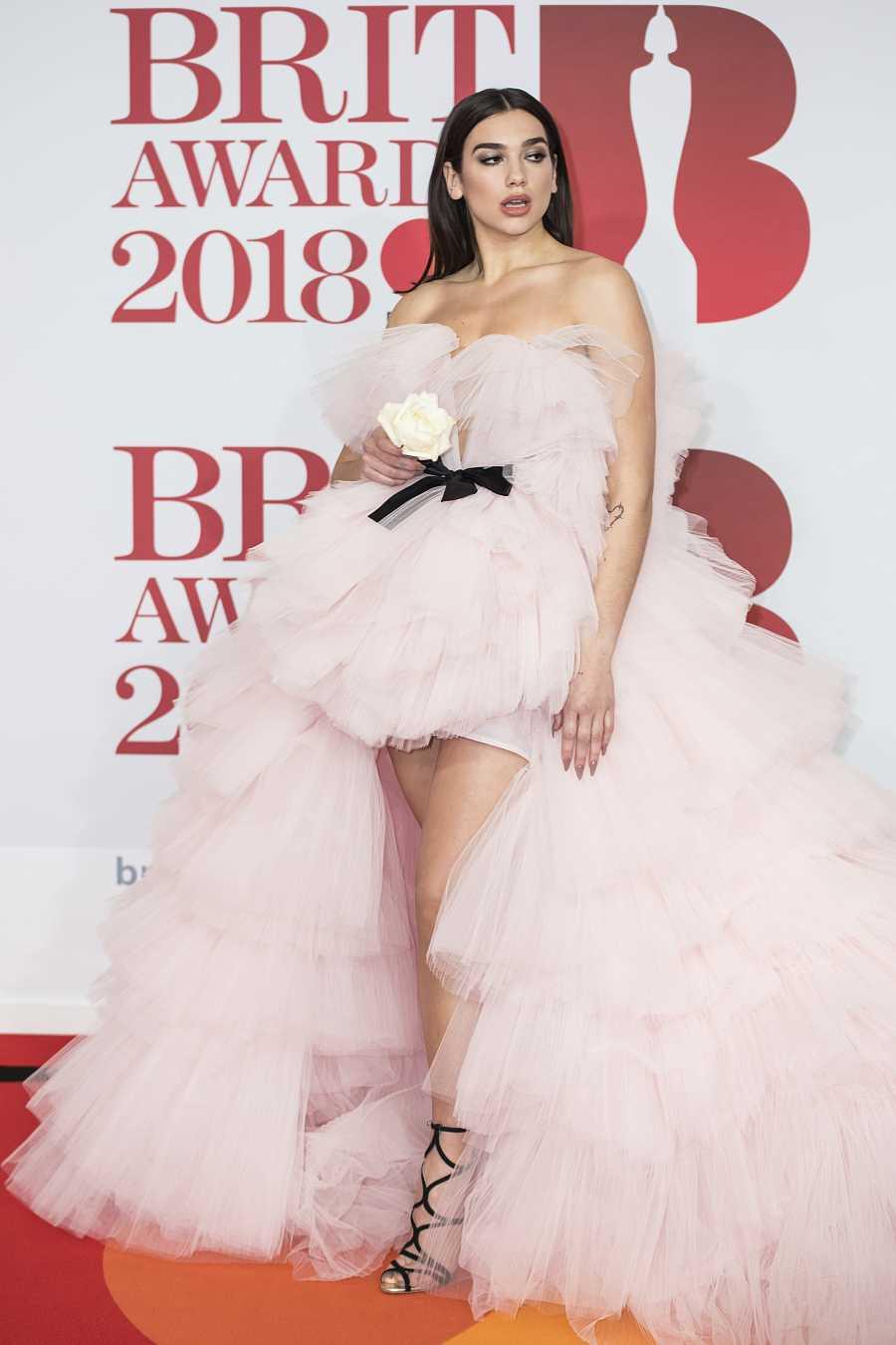 Dua Lipa en los Brit Awards de Londres en 2018