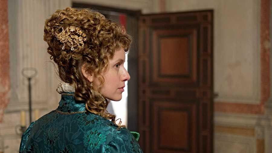 Manuela Vellés interpreta a Carolina en la cuarta temporada de 'El Ministerio del tiempo'