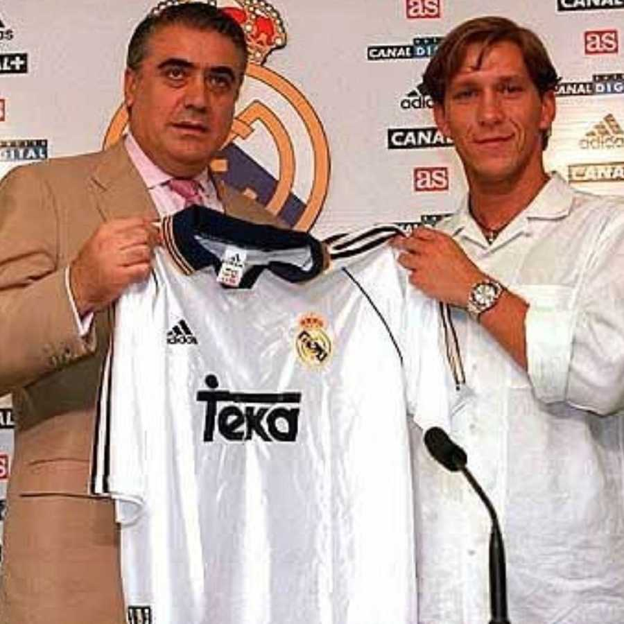 Lorenzo Sanz y Míchel Salgado en la presentación del jugador del Real Madrid