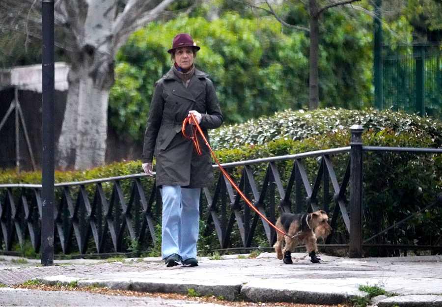 La Infanta Elena aprovecha los paseos de su mascota para desconectar de la cuarentena