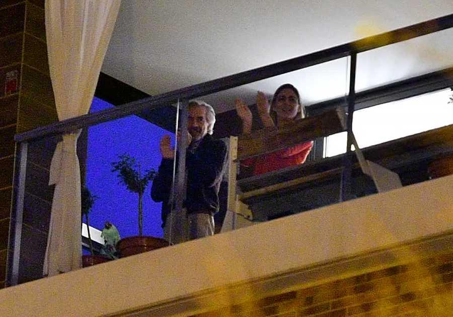 Imanol Arias e Irene Meritxell viven la cuarentena junto a sus vecinos