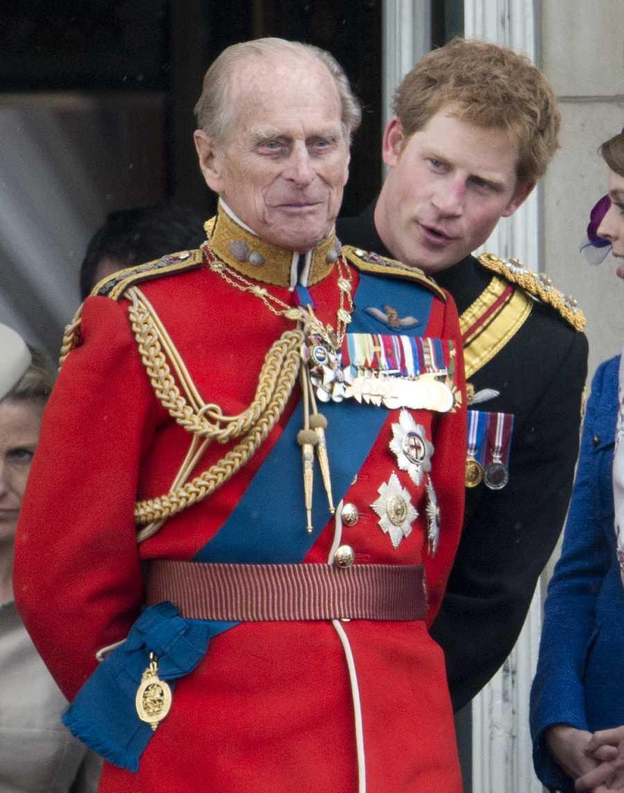 El duque de Edimburgo y Harry