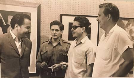 Häsler en una exposición con pintores cubanos