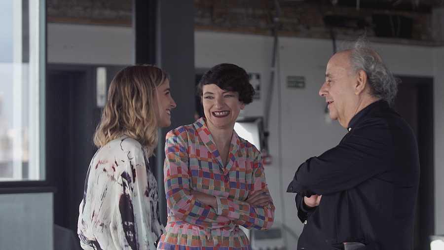 Nuria Moliner habla con los arquitectos Izaskun Chinchilla y Josep Lluís Mateo