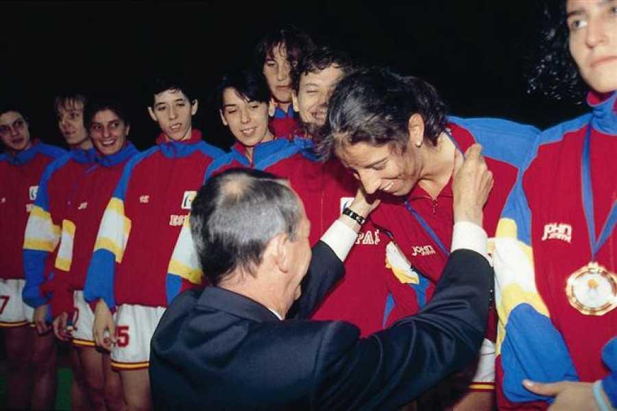 La selección femenina de baloncesto ganó su primer europeo en 1993