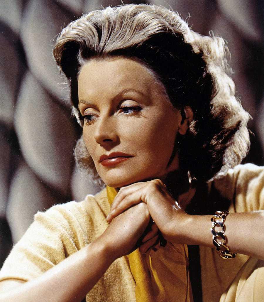 Foto coloreada de Greta Garbo, el misterio favorito del Hollywood clásico