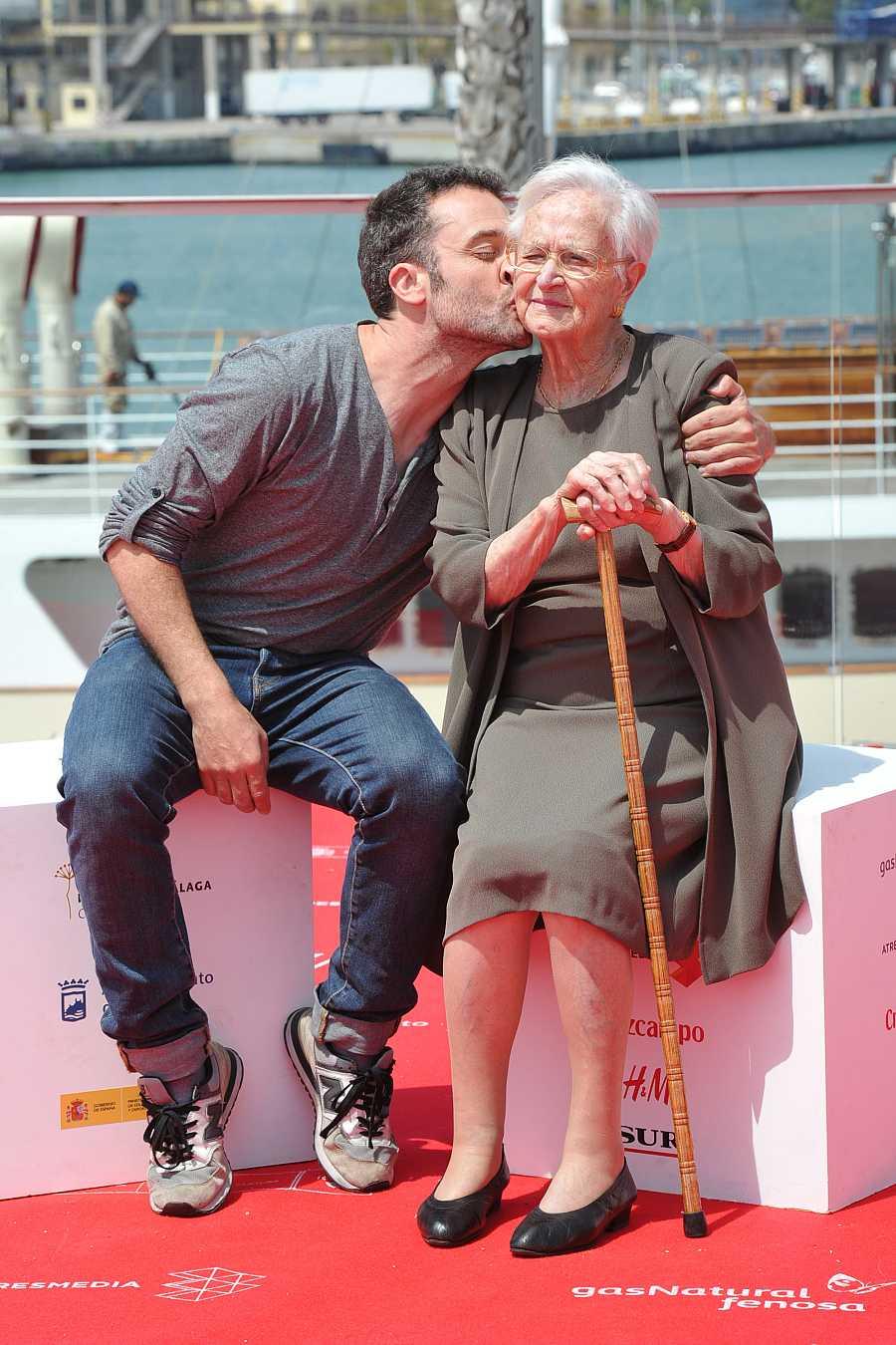 El actor Daniel Guzmán y su abuela Antonia en la presentación de la película en el Festival de Málaga