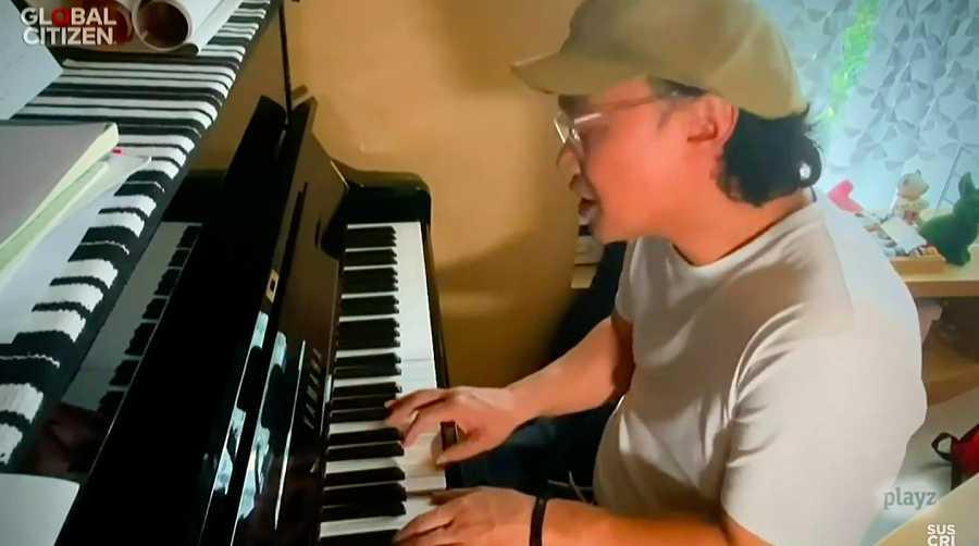 Segunda actuación de Eason Chan desde su hogar en China