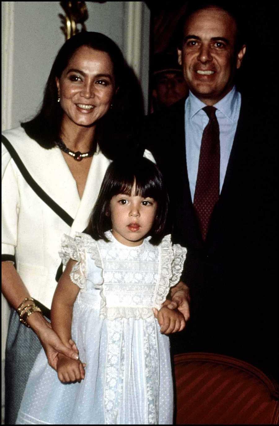 Tamara con sus padres. Isabel Preysler y Carlos Falcó
