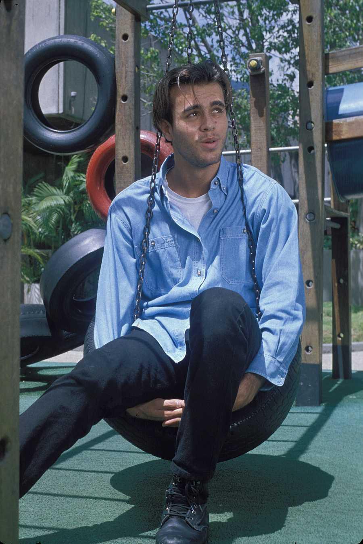 El cantante Enrique Iglesias en los primeros años de su carrera