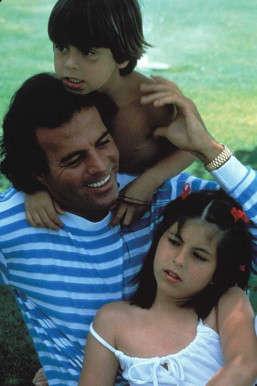 Julio Iglesias con sus hijos, Enrique Iglesias y Chábeli Iglesias