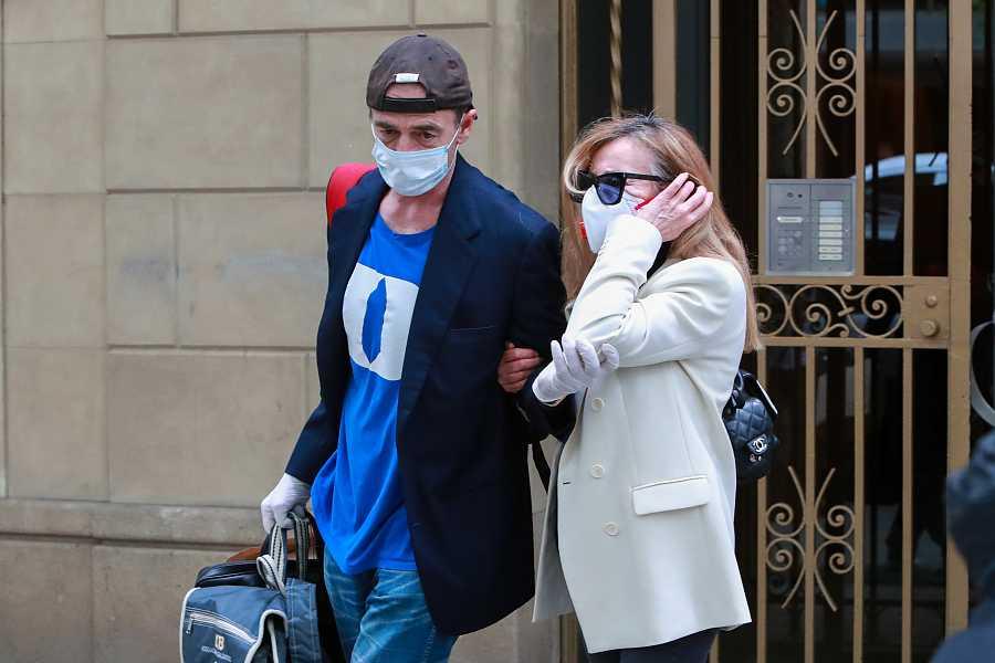 Ana Obregón y Alessandro Lequio saliendo de su apartamento de Barcelona