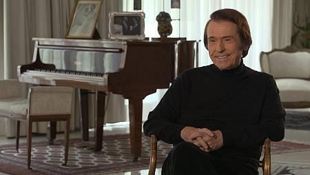 Raphael empezó su exitosa carrera junto al compositor Manuel Alejandro
