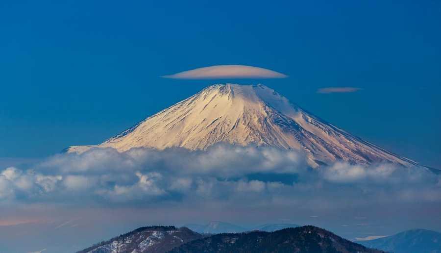 Nube lenticular en el Monte Fuji