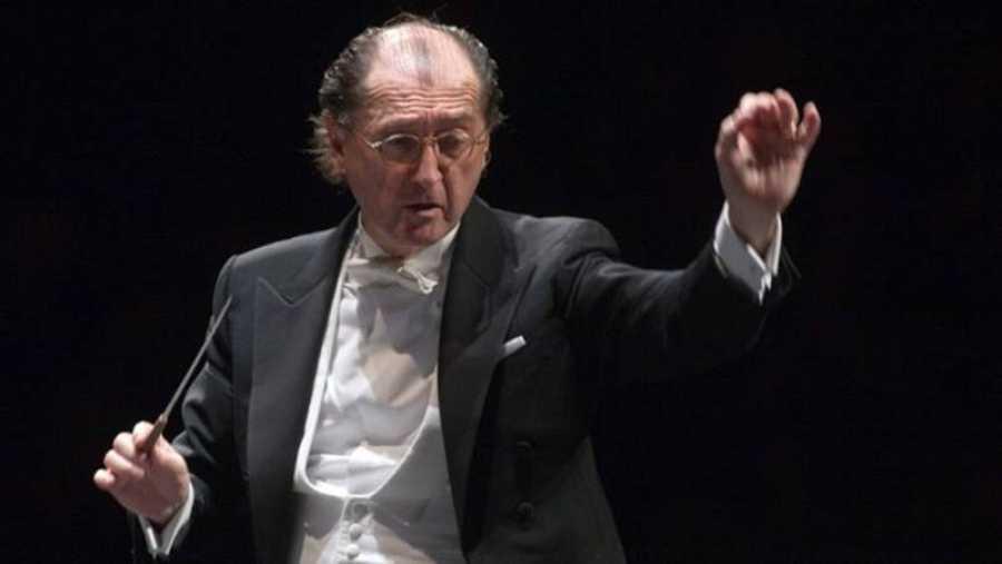 El maestro Maurizio Benini.