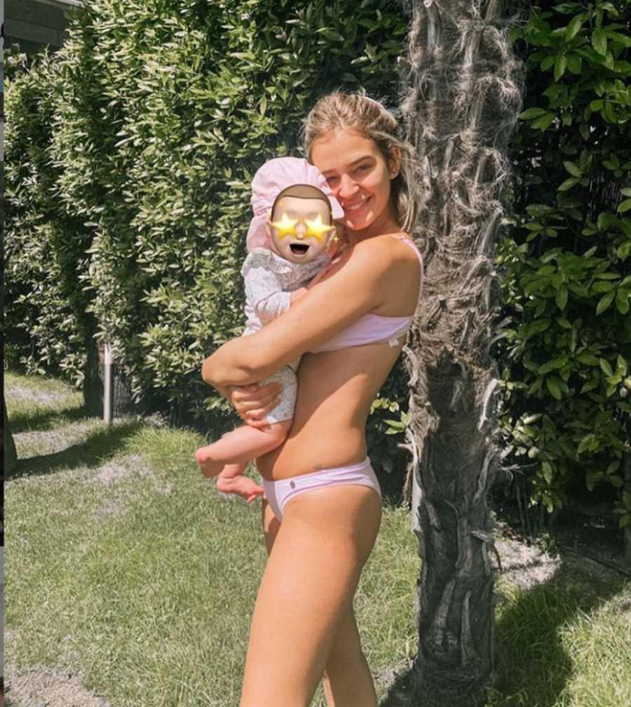 Laura Escanes y su hija Roma
