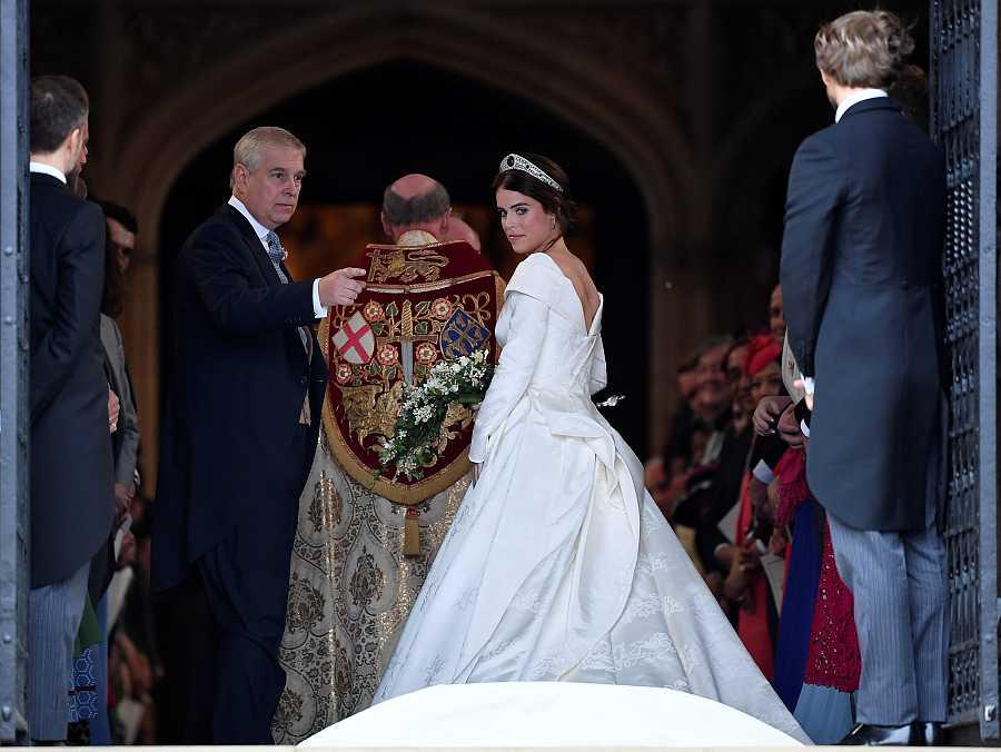 La princesa Eugenia con la espalda descubierta el día de su boda