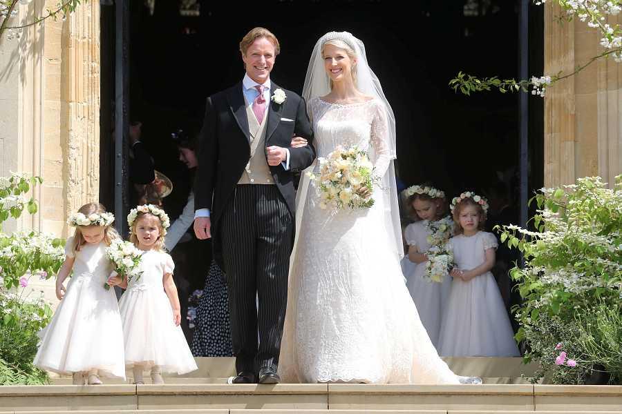 Mr. Thomas Kingston y Lady Gabriella Windsor durante su boda