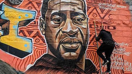 Mural en honor de George Floyd del artista Brian Esendi