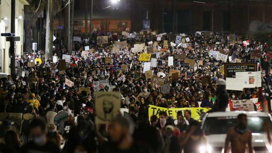 Protestas por la muerte de George Floyd bajo custodia policial, en Nueva Orleans, Louisiana, EE.UU.