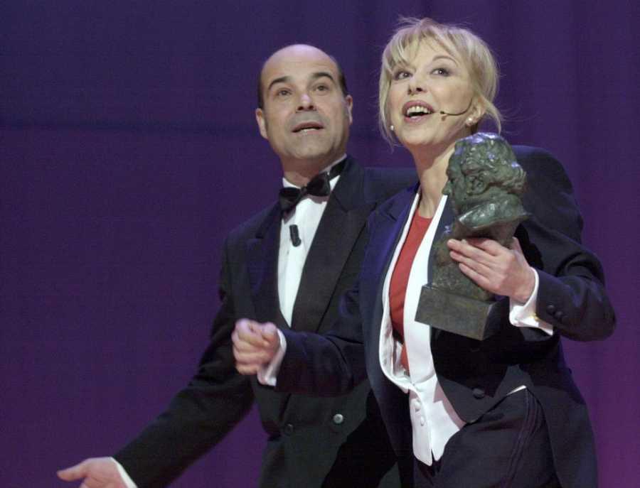 Rosa María Sardà junto a Antonio Resines en la entrega de su segundo Goya