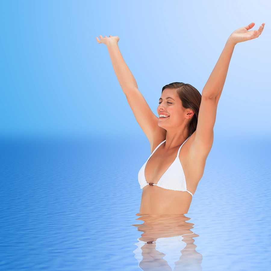 Mantener la piel bien hidratada es esencial para que se vea tersa y sana